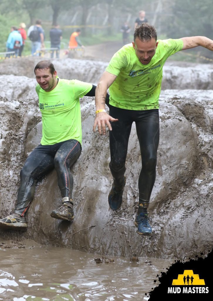 The Software Testing Company - Mud Masters Biddinghuizen 2017 - jump